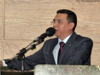 Câmara concede título de cidadania a Carlos Santos