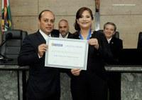 Câmara concede título de cidadania à Maria Cristina de Andrade