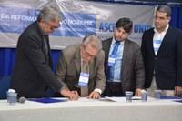 Câmara e ASCES-Unita fecham parceria de contribuição acadêmica
