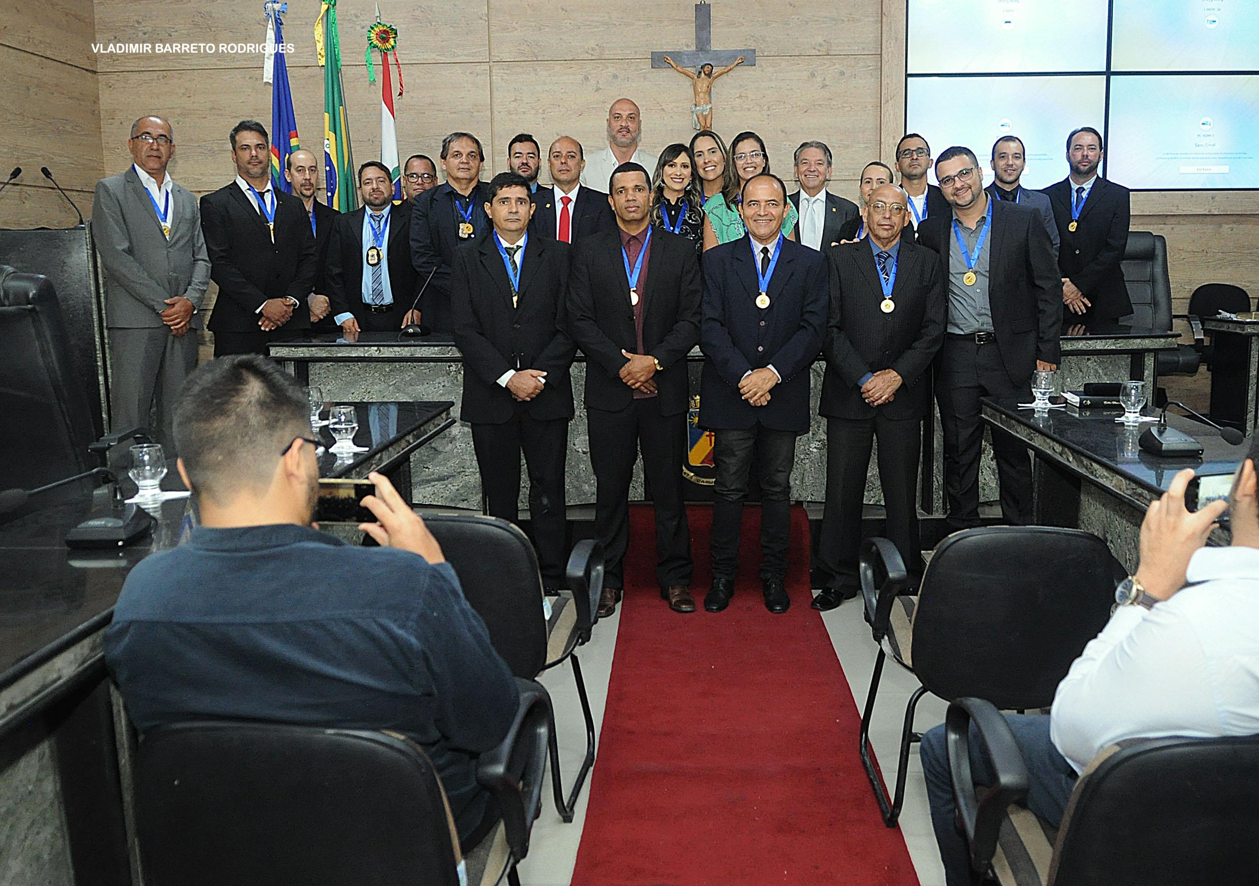 Câmara homenageia 22 agentes penitenciários da Penitenciária Juiz Plácido de Souza
