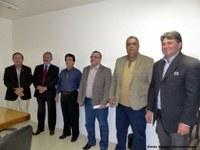 Câmara reintegra cinco vereadores