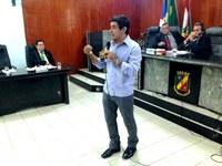 Gilberto de Dora convida biólogo para falar sobre fósseis encontrados em Caruaru