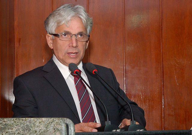 Gilberto de Dora defende que bancos da nova Sulanca sejam de graça