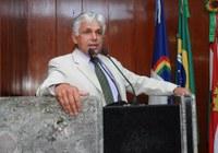 Gilberto de Dora reclama de taxa de esgoto