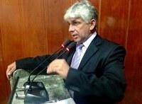 Gilberto de Dora vota a favor dos professores
