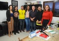 Grupo de valorização da vida visita gabinete da presidência.