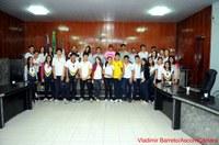 Leonardo Chaves recebe alunos e professores do Criativo