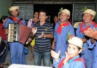 Leonardo prestigia festas juninas da Capital do Forró
