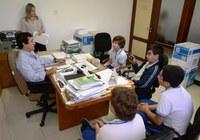 Leonardo recebe estudantes na Câmara