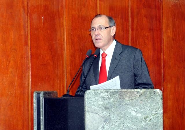 Liberato comemora aprovação de projeto que vai interligar Av. Agamenon Magalhães à Nova Caruaru
