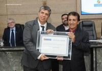 Magistrado recebe título de cidadão de Caruaru durante solenidade na Câmara