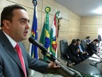 Marcelo Gomes apresenta votos de aplausos para Dr. Vieira