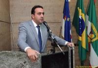 Marcelo Gomes comemora uso da água de Serro Azul