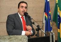 Marcelo Gomes propõe e Câmara dá cidadania ao ambientalista Henrique Andrade