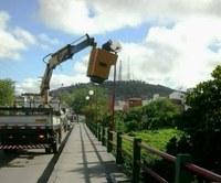 Ponte que liga Petrópolis ao São Francisco ganha luminárias