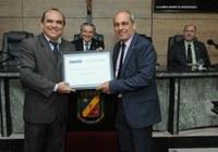Professor José Urbano recebe tÍtulo de Cidadão Caruaruense