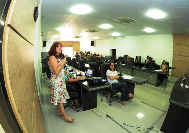 Secretária de Saúde faz prestação de contas em audiência na Câmara