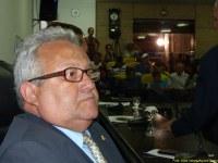 Vereador lamenta abandono de teatro e lembra promessa do prefeito