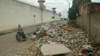 Vereadora denuncia acúmulo de lixo no Santa Rosa