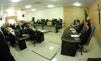 Vereadores aprovam projetos do Executivo em reunião extraordinária