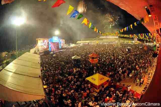 Vereadores participam da abertura dos Festejos Juninos