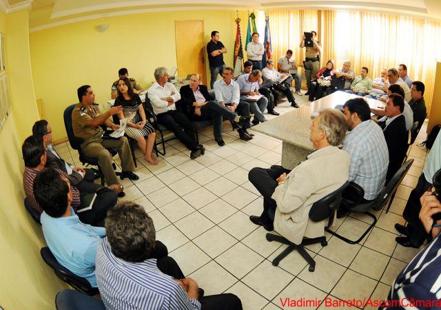 Vereadores participam de reunião no 4º BPM