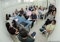 Vereadores participam de reunião sobre abastecimento de água