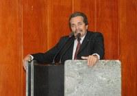 Zé Ailton comemora asfalto no Caiucá